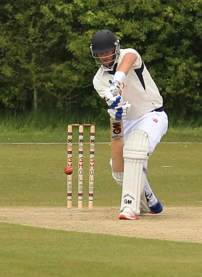 Pro Marty Walters hit 30 as his Prestwich side stormed to victory over Clifton