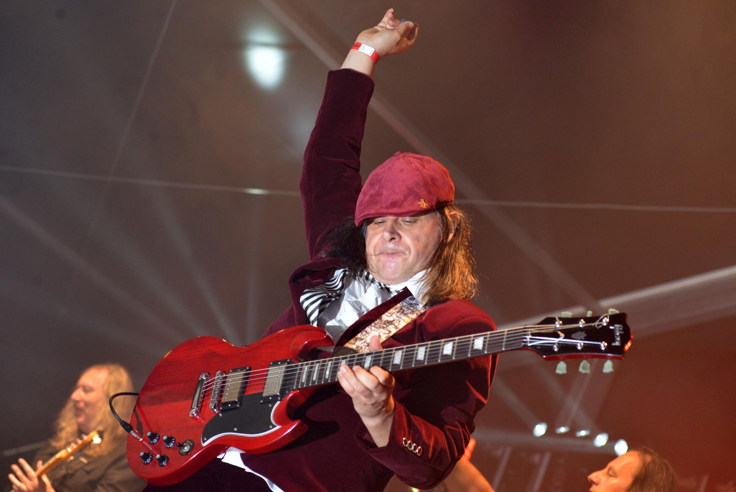 MUSIC: AC/DC Experience performing at Festwich 2017